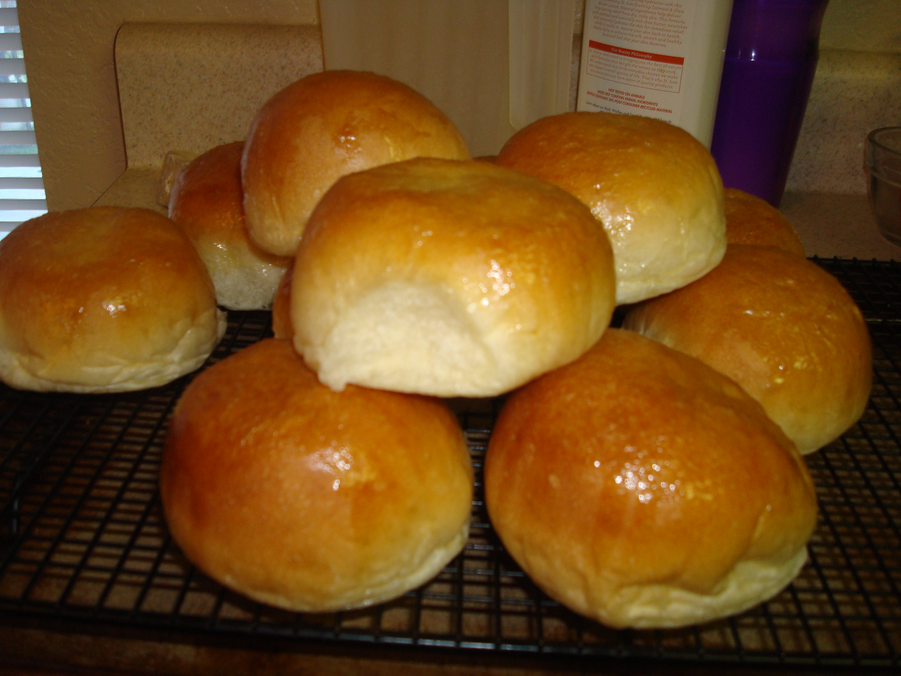 Easy homemade dinner rolls tidbits of happy